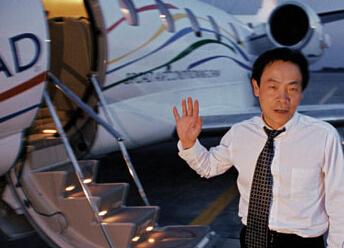 中国第一个拥有私人飞机的人是谁?