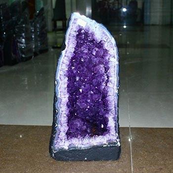 如何挑选紫晶洞