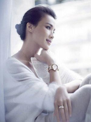 """舒淇演绎宝格丽LVCEA系列""""最好的时光""""名表广告大片"""