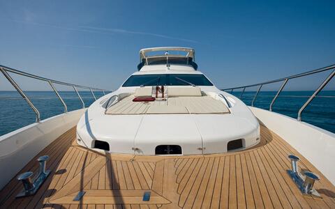游艇知识:游艇上木板缝隙如何清洁保养?