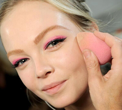 粉底液颜色怎么选 教你自然底妆化妆基础知识