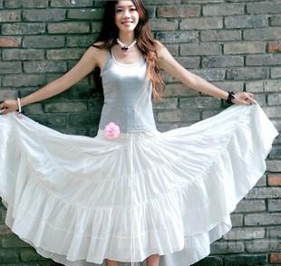 白色雪纺长裙配什么上衣?