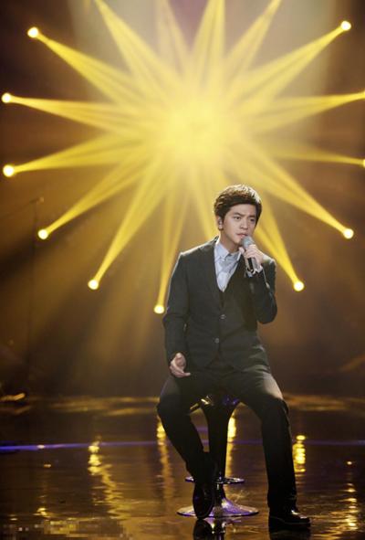《我是歌手》第三季落幕 男神李健穿衣搭配征服你