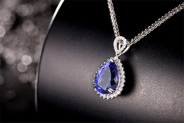 米莱珠宝白18K金2.28克拉坦桑石钻石项链_珠宝图片