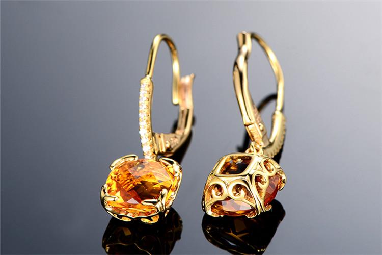米莱珠宝白18K金5.5克拉求婚钻石耳环_珠宝图片