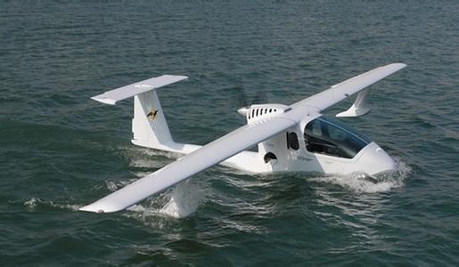 热门飞机Colyaer自由是水陆两栖轻型运动私人飞机