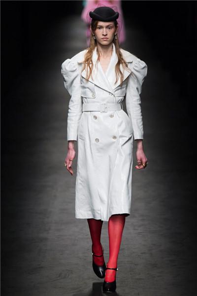 Gucci(古奇)于米兰时装周发布2016秋冬系列