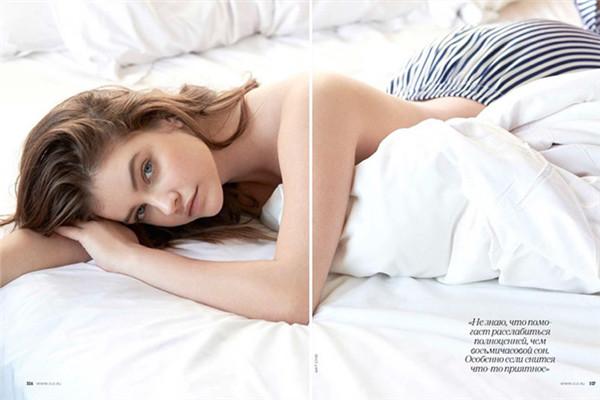 超模Barbara Palvin为《Elle》杂志拍摄时尚大片
