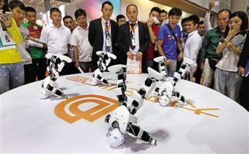 """连机器人都来""""卖房""""了 上周杭州实在太忙"""