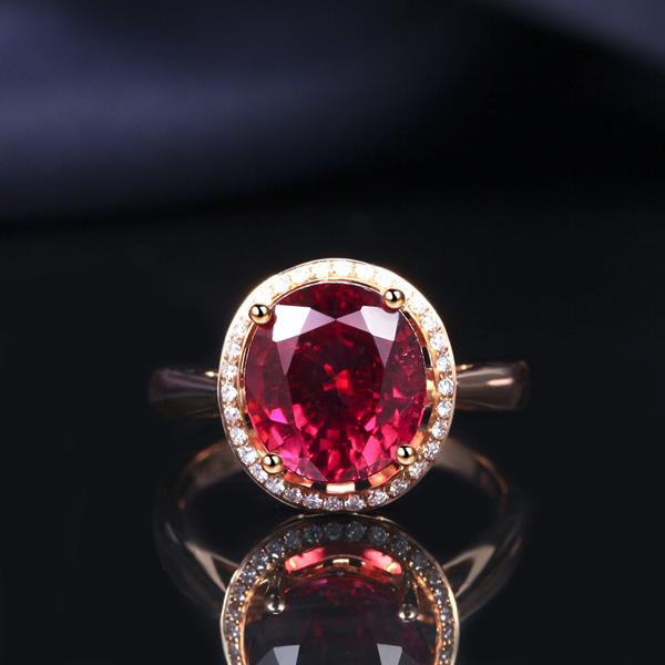 佐卡伊珠宝玫瑰18K金3.0克拉红碧玺戒指_珠宝图片