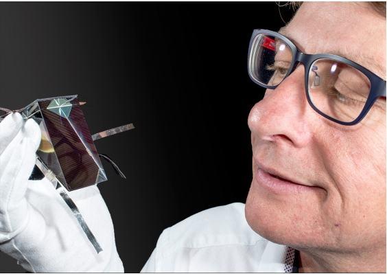 澳科学家研制新设备使光电转换效率达到34.5% 创下新记录