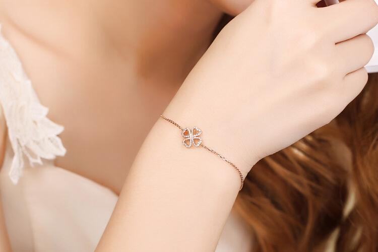 千禧之星珠宝18K玫瑰金四叶草钻石手镯_珠宝图片