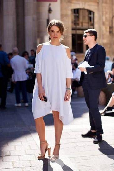 夏季穿衣搭配技巧示范 白色单品让你成为时尚宠