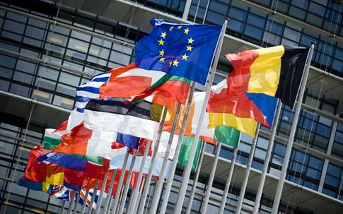英国正式与欧盟说再见 黄金这三个多单全收
