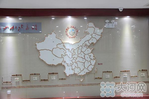 新野县珍藏馆珍藏毛主席像章4万余枚