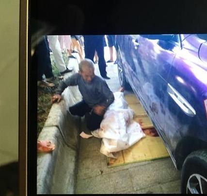 11岁女孩躺人行道休息 遭豪车碾压致死