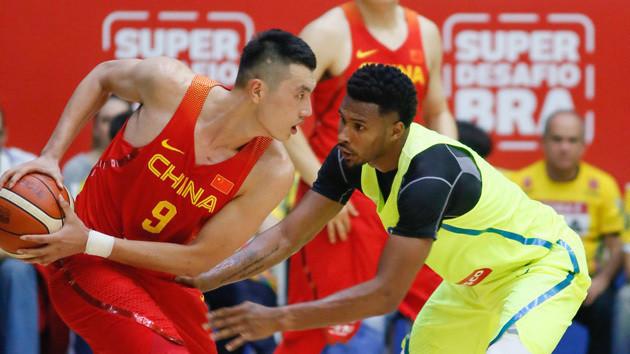 奥运热身赛 中国男篮52-91不敌巴西队