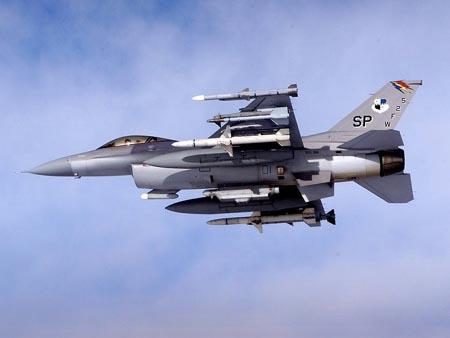 土耳其媒体消息埃尔多安专机险被击落 叛军战机没油了