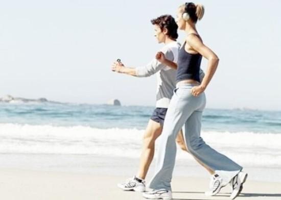 温和地健步行走 有神奇的抗衰老功效