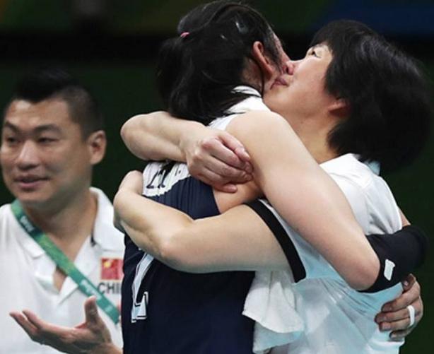 中国女排时隔12年再次进入决赛 3-1复仇荷兰