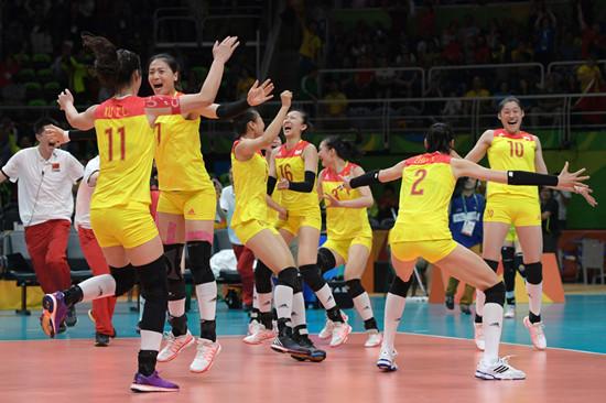 中国女排逆转夺金 中国女排力克塞尔维亚夺得冠军