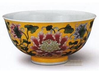 黄地珐琅彩牡丹纹碗收藏鉴赏