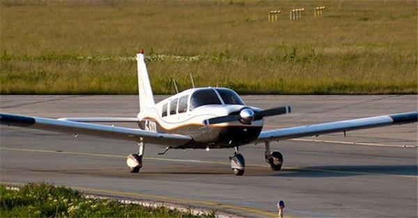 派珀幻影私人飞机 庞大机身保证足够载油量