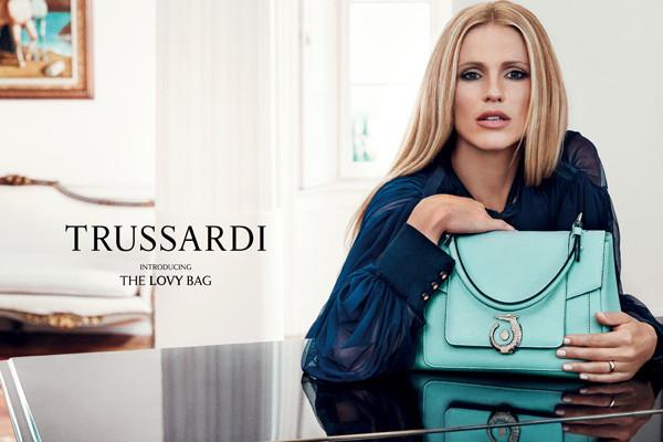 都市摩登风尚 Trussardi推出Lovy包包全新广告短片