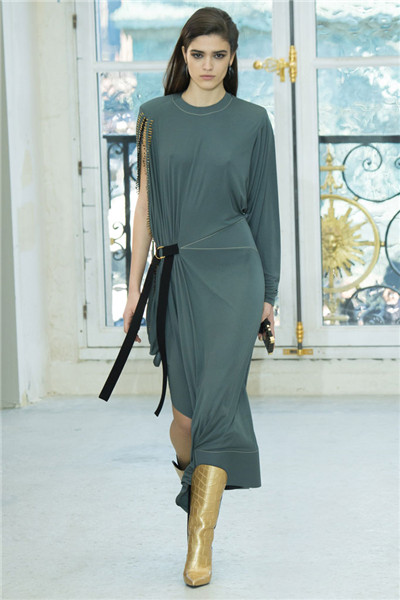 Louis Vuitton于巴黎时装周发布2017春夏系列时装秀