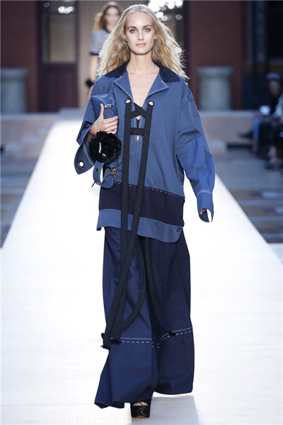 Sonia Rykiel服装品牌于巴黎时装周发布2017春夏系列