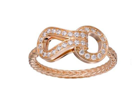 卡地亚推出全新Agrafe系列珠宝 尽展女性优雅与性感风情