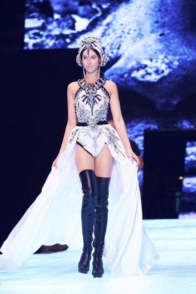 施华洛世奇以璀璨仿水晶点亮亚洲首秀舞台