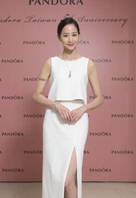 张钧甯完美演绎PANDORA珠宝品牌Rose Collection系列