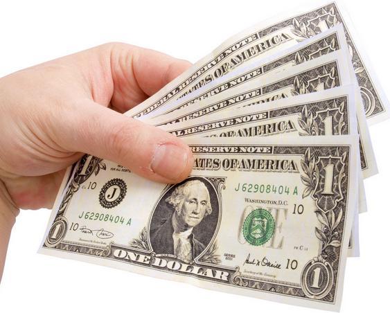 人民币接连贬:要不要换点美元黄金?