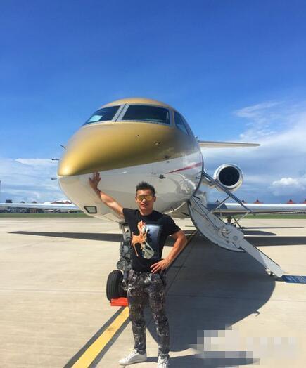 中国最富拳王蔡良蝉 私人飞机G550价值5000万美元