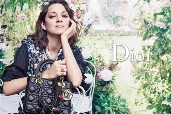 迪奥释出Lady Dior全新2017早春系列包包广告
