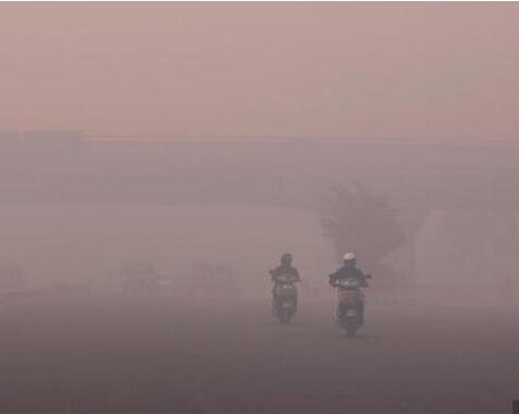 """印度烟花爆竹污染严重""""排灯节""""后雾霾指数爆表"""