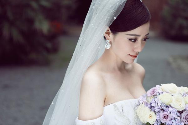 张靓颖佩戴帝致奢华珠宝于意大利举办婚礼