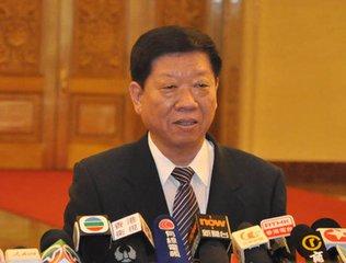 人社部部长尹蔚民:将用3年时间让全民参保