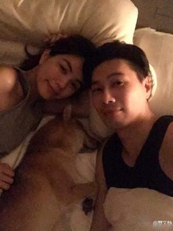 Ella与爱犬同床 意外引发网友间战火
