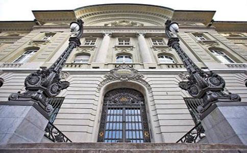 瑞士央行行长:密切监控欧洲央行、英国央行的举动