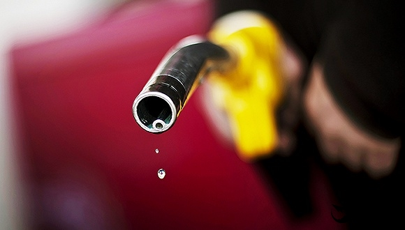 OPEC意外达成减产协议 股市与油价联动