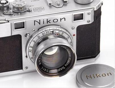1948产尼康老相机 富豪38.4万欧买下收藏