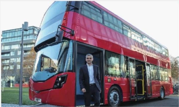 英国伦敦全球首辆氢能双层巴士揭幕
