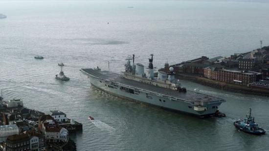 英国服役32年航母被当废品 出售给土耳其船只回收公司