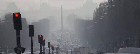 巴黎遭遇十年来最重雾霾 车辆单双号限行
