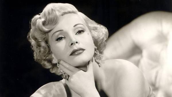 好莱坞女星莎莎·嘉宝去世 一生有过九段婚姻