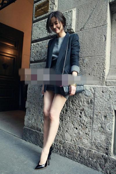 高圆圆街拍穿搭示范 小西装+包臀裙优雅范儿十足