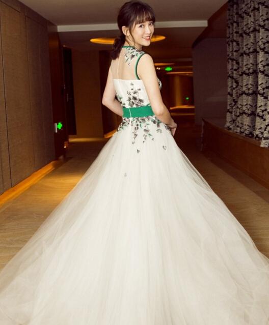 陈乔恩杨紫宋茜 看国剧盛典红毯上女星如何用珠宝吸睛