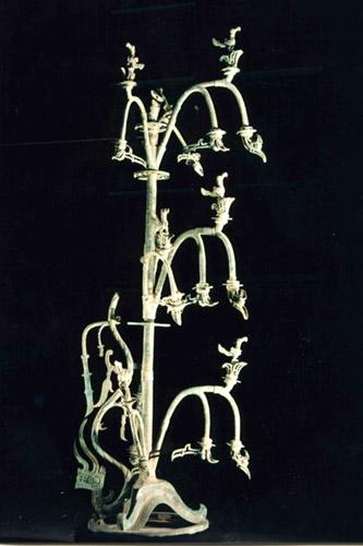 青铜神树_青铜神树的特征_青铜神树是什么树_青铜神树文物价值